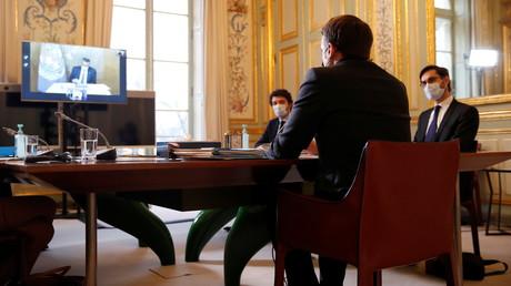 Emmanuel Macron lors d'une visioconférence avec Tedros Adhanom Ghebreyesus, patron de l'OMS, le 8 février (Image d'illustration).
