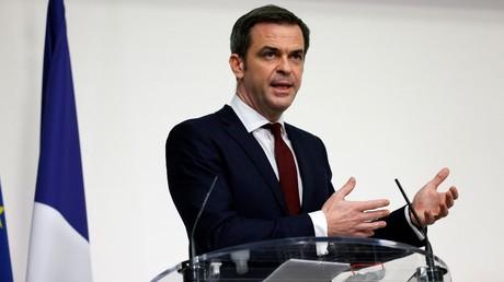 Le ministre de la Santé Olivier Véran à l'occasion d'une conférence de presse sur les mesures sanitaires, le 18février 2021.