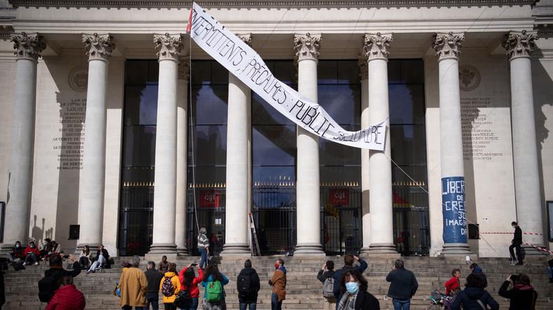 Covid-19  : les occupations de théâtres se multiplient pour réclamer leur réouverture