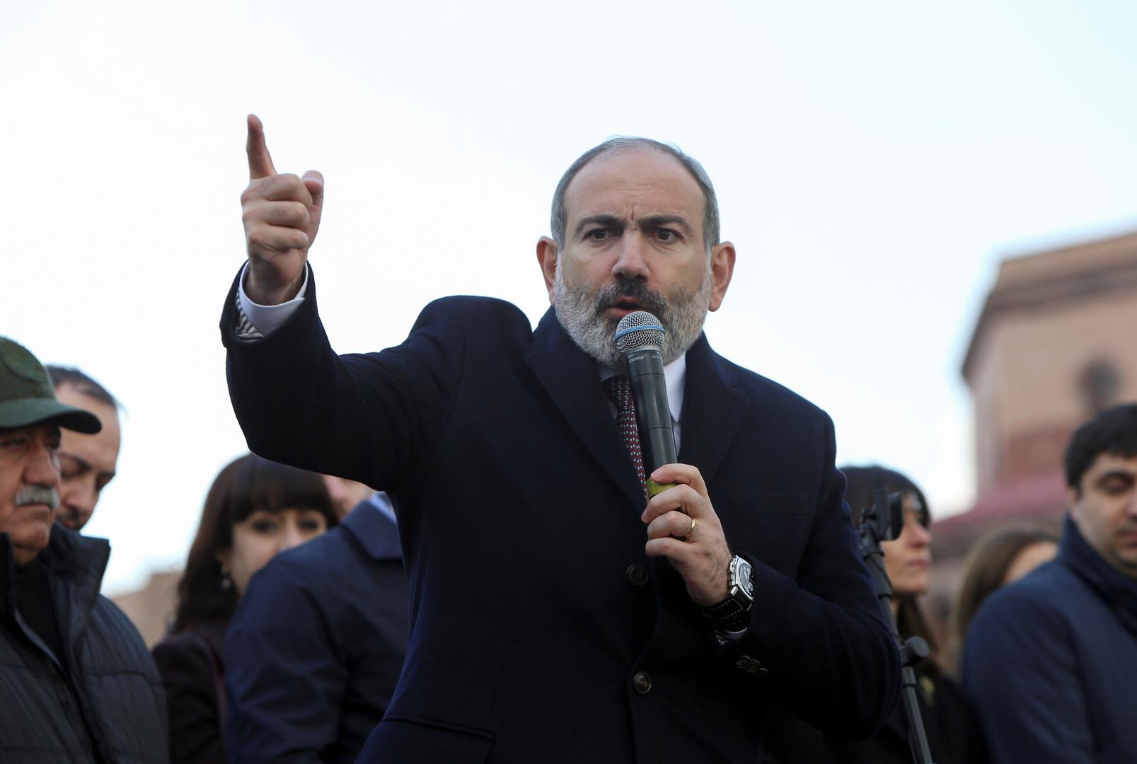 Arménie : le président refuse de démettre le chef de l'armée, les manifestations continuent