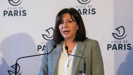 La maire de Paris, Anne Hidalgo s'exprimait lors d'une conférence de presse au sujet de la pandémie de coronavirus, le 1er mars 2021 à Paris.