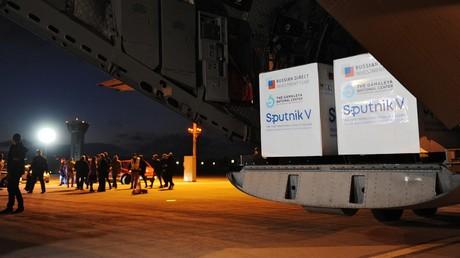 Le 1er mars 2021, un avion transportant des cargaisons du vaccin Spoutnik V  s'est posé à l'aéroport de Kosice en Slovaquie (image d'illustration).