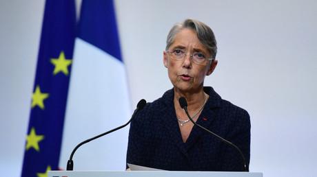 La ministre française du Travail, Elisabeth Borne, lors d'une conférence de presse le 4 février 2021, à Paris (illustration).