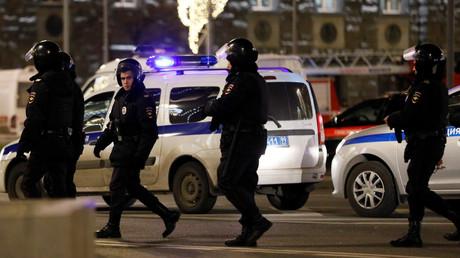 Le 19 décembre 2019, des policiers russes sécurisent la rue à Moscou (image d'illustration).