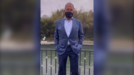 Sergueï Lavrov a arboré un masque