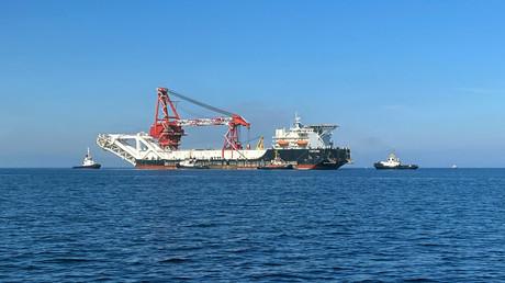 Le navire poseur de canalisation batant sous pavillon russe Fortuna, photographié dans les eaux de la Baltique en décembre (illustration).