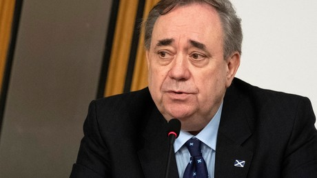 L'ancien Premier ministre écossais Alex Salmond s'exprime au Parlement écossais, à Édimbourg, le 26 février 2021 (image d'illustration).