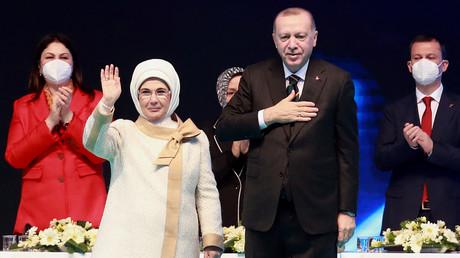 Le président turc et sa femme le 24 mars 2021 (image d'illustration).