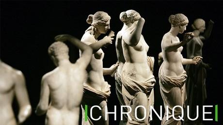 Photo prise le 16 mars 2007 de statues présentées au musée du Louvre à Paris dans le cadre d'une exposition sur le sculpteur grec du IVe av. J-C., Praxitèle.