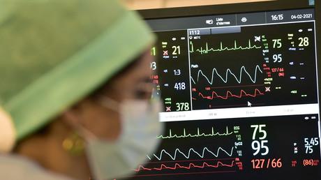 Une infirmière dans le service de réanimation de l'hôpital Purpan à Toulouse, le 4 février 2021 (image d'illustration).