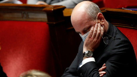 Le ministre de l'Education nationale, Jean-Michel Blanquer, assiste à une session de questions à l'Assemblée nationale, le 26 janvier 2021.