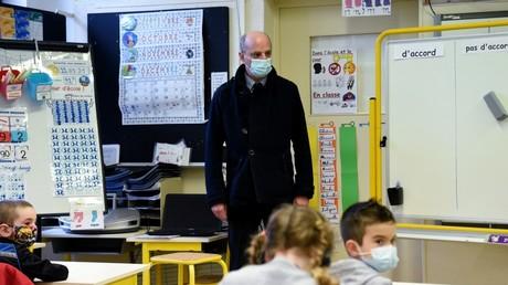 Le ministre Jean-Michel Blanquer en visite dans une école de La Ferté-Milon (Aisne) le 22 mars (image d'illustration).