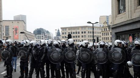 Policiers belges lors d'une manifestation contre les mesures sanitaires à Bruxelles le 31 janvier 2021 (image d'illustration).