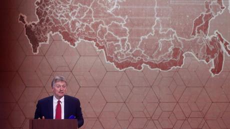 Dmitri Peskov lors d'une conférence de presse, à Moscou, le 17 décembre 2020 (image d'illustration)