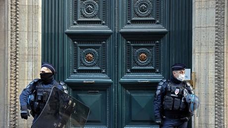 L'entrée du Palais Vivienne protégée par la police le 6 avril 2021 (image d'illustration).