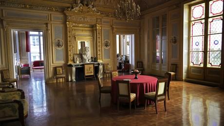 Photographie du 5 avril 2021 de l'intérieur du Palais Vivienne, où le cuisinier Christophe Leroy est soupçonné d'avoir organisé à Paris des repas luxueux clandestins (image d'illustration).