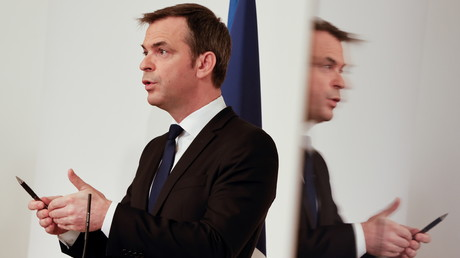 Olivier Véran en conférence de presse le 25 mars (image d'illustration).