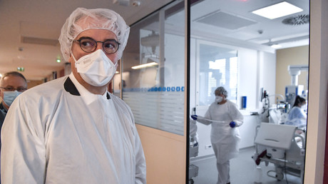 Le Premier ministre Jean Castex à l'hôpital Edouard-Herriot de Lyon, le 10 avril 2021.