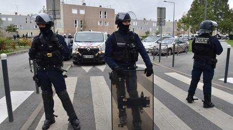 Des policiers interviennent dans le quartier de La Grande Borne à Grigny le 5 octobre 2017 (image d'illustration).