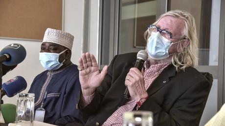 Le professeur Didier Raoult dans le cadre d'un déplacement à Dakar au Sénégal, le 31 mars 2021.