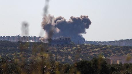 Un bombardement attribué à l'armée russe en Syrie, le 29 mars 2021 (image d'illustration).