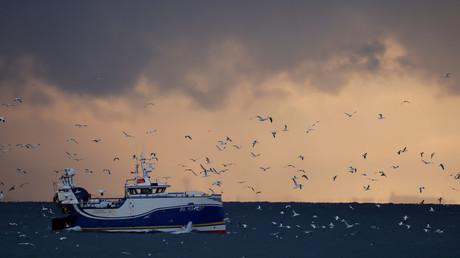 Le chalutier Manureva basé à Boulogne-sur-Mer photographié en mer du Nord, en décembre 2020 (illustration)