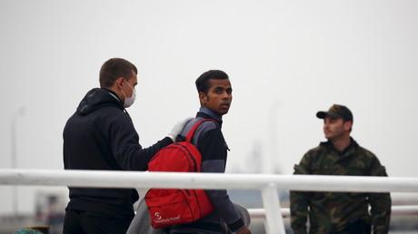 Un migrant arrivant sur l'île de Lesbos le 8 avril 2016 (image d'illustration).