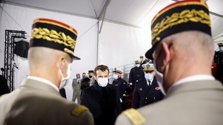 Emmanuel Macron parlant à des officiers de l'Armée française le 19 janvier 2021 à Lorient (image d'illustration).
