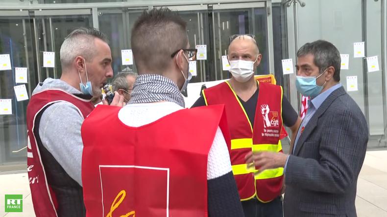 Un «fonds vautour» allemand va-t-il racheter Lapeyre ? La réindustrialisation en France mise à mal