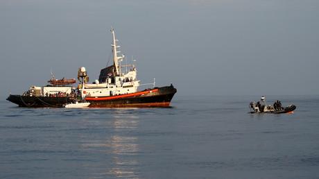 Un bateau de la police italienne des finances patrouille près de l'île de Lampedusa, le 31 août 2019 (image d'illustration).