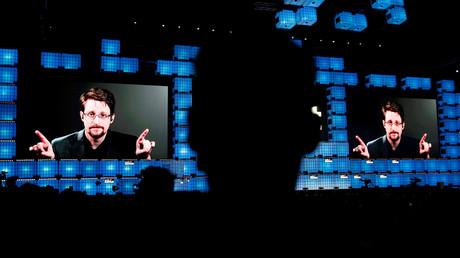 Edward Snowden en téléconférence à Lisbonne en 2019 (image d'illustration).