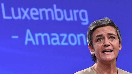 Le 4 octobre 2017, la commissaire européenne à la Concurrence, Margrethe Vestager, donne une conférence de presse, à Bruxelles, sur les aides d'Etat à de grandes entreprises dont Amazon (image d'illustration).