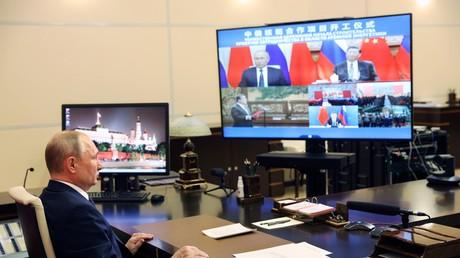 Le 19 mai 2021, le président de la Fédération de Russie, Vladimir Poutine inaugure par visioconférence, conjointement avec son homologue chinois Xi Jinping, la construction de quatre réacteurs pour les centrales chinoises de Tianwan et Xudapu.