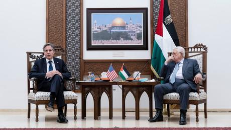 Le secrétaire d'Etat américain Antony Blinken rencontre le président de l'Autorité palestinienne Mahmoud Abbas à Ramallah le 25 mai 2021.