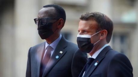 Emmanuel Macron en compagnie de son homologue rwandais Paul Kagame, le 17 mai à Paris (illustration).