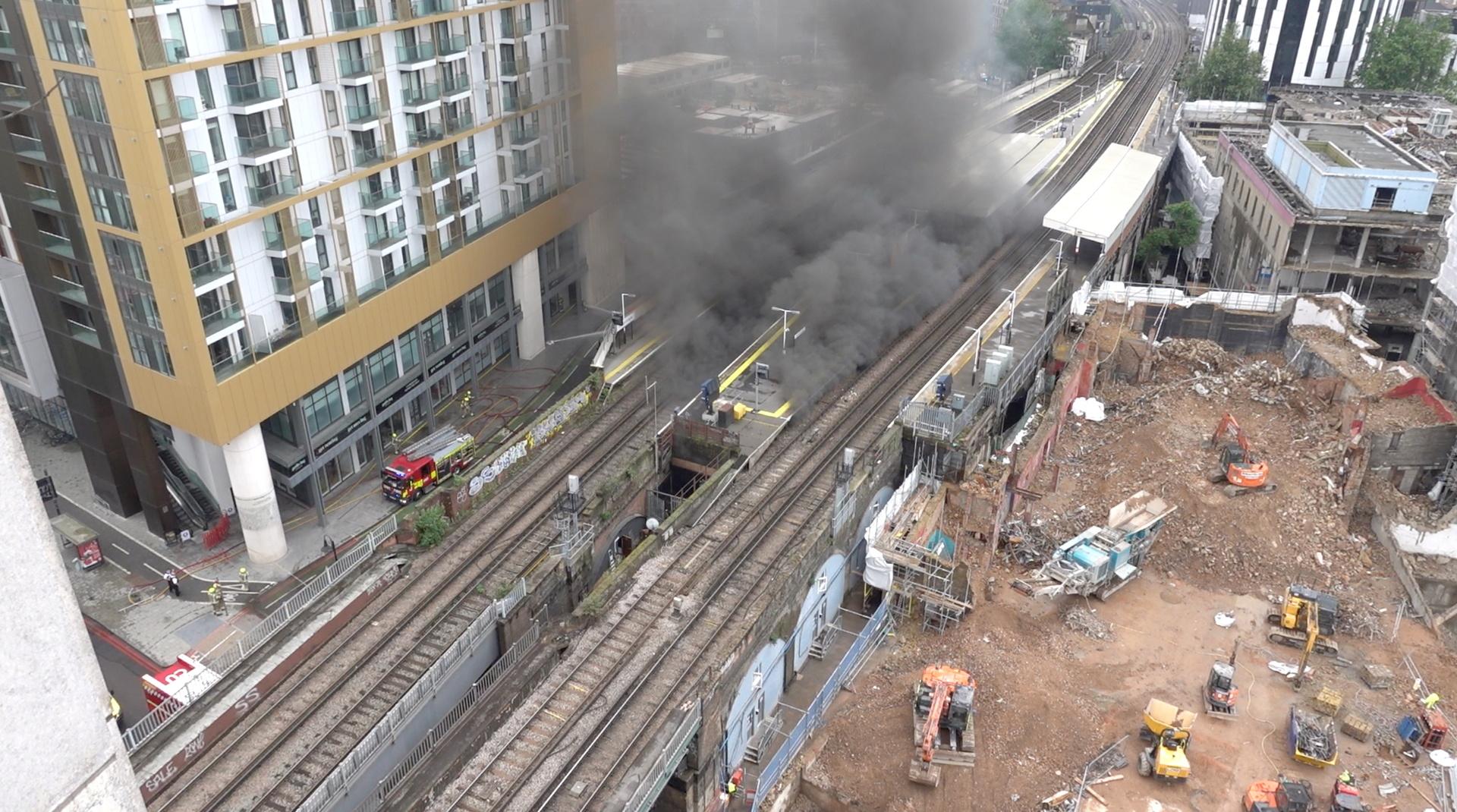 Un spectaculaire incendie se déclare dans le centre de Londres