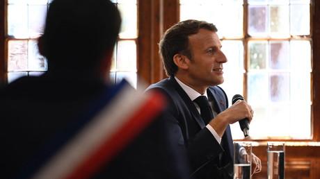 Le président français Emmanuel Macron, en visite à Martel, dans le Lot, le 3 juin 2021.