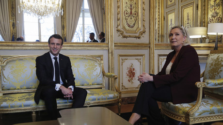 Le président Emmanuel Macron avec la chef du Rassemblement national Marine Le Pen au palais de l'Élysée à Paris, le 6 février 2019 (illustration).