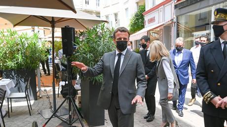 Emmanuel Macron entame une visite à Valence dans la Drôme le 8 juin 2021.