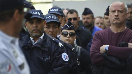 Des policiers sont rassemblés en hommage à leur collègue qui s'est suicidé, Montpellier, 19 avril 2019 (image d'illustration).