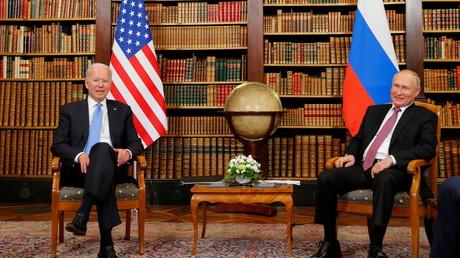 Vladimir Poutine et Joe Biden à Genève ce 16 juin.