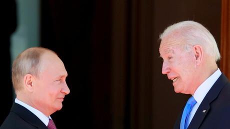 Le président américain Joe Biden et le président russe Vladimir Poutine à la villa La Grange à Genève, en Suisse, le 16 juin 2021.