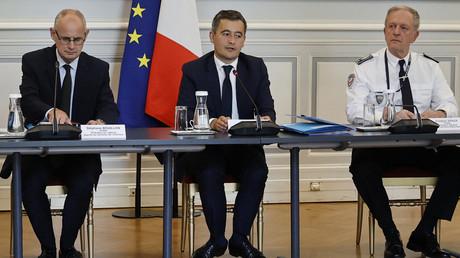 Stéphane Bouillon (directeur de cabinet du ministre), Gérald Darmanin et Frédéric Veaux (DGPN) à Beauvau, Paris, juillet 2020 (image d'illustration).