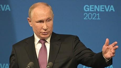 Vladimir Poutine durant sa conférence de presse à l'issue de sa rencontre avec Joseph Biden,  le 16 juin à Genève.