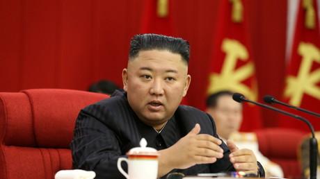 Kim Jong-un, lors réunion plénière du Comité central du parti du travail de Corée le 17 juin 2021 (image d'illustration).