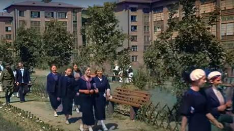 Images restaurées de la vie en Union soviétique, avant le lancement de l'opération Barbarossa par l'Allemagne nazie.