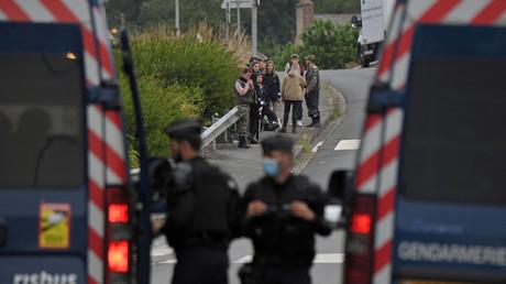 Les gendarmes se déploient à Redon le 19 juin 2021.