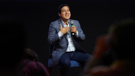 Le candidat équatorien à la présidentielle Andrés Arauz s'adresse en campagne, à Quito, en Equateur, le 7 février 2021.
