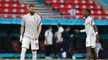 Les joueurs comme Karim Benzema et Paul Pogba pourront refuser d'être interviewés avec une bière sans alcool eu égard à leur religion (image d'illustration).