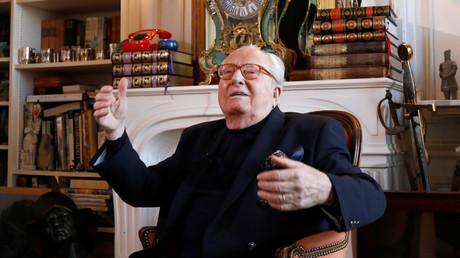 Jean-Marie Le Pen dans sa résidence de Montretout, à Saint-Cloud (Hauts-de-Seine), le 28 février 2018.